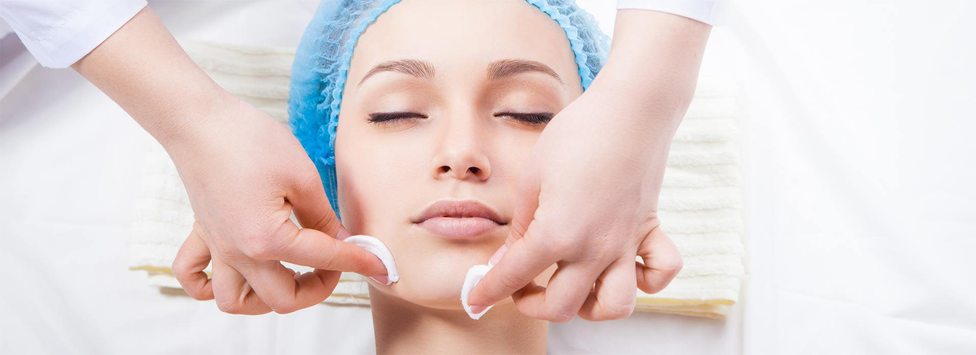 Чистка, уход за кожей лица, пилинг, карбокситерапия от 20 руб.